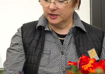 Cerrin Speth Floristin Bei Der Arbeit