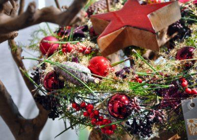 Haengendes Adventsgesteck