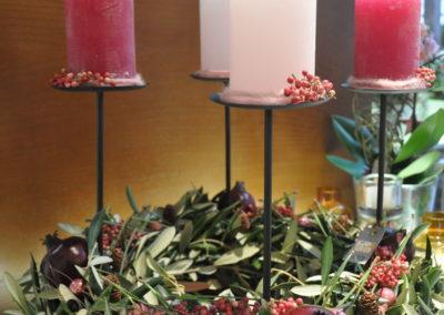 Olivenkranz Mit Schwebenden Kerzen