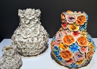 Vasen mit Blütendekor